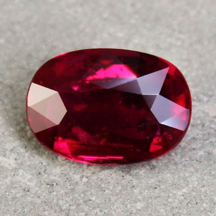 ruby-oval